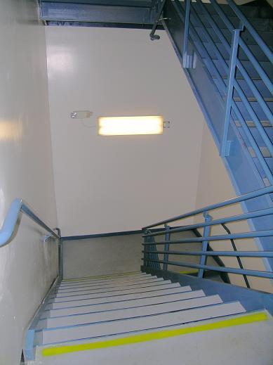 stairwell lighting. et11sce5030 hybrid ledfluorescent bilevel stairwell lighting